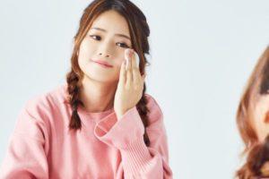 碧唇抗敏润唇膏所采用的配方可滋养、软化和保护唇部肌肤,不含可能致使唇部过敏的香精、香料或色素。